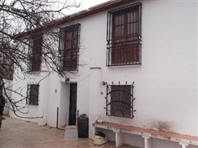 Image No.13-4 Bed Townhouse for sale