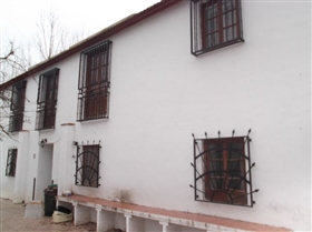 Image No.1-4 Bed Townhouse for sale
