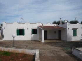 Ostuni, Villa