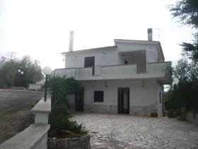 Image No.2-Villa de 4 chambres à vendre à Ostuni
