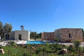 Image No.2-Villa de 4 chambres à vendre à Carovigno