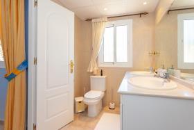 Image No.17-Villa / Détaché de 3 chambres à vendre à Riviera del Sol