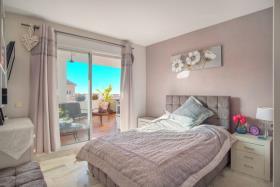 Image No.3-Appartement de 2 chambres à vendre à Riviera del Sol