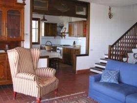 Image No.2-Ferme de 4 chambres à vendre à Todi