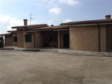 1 - Monteprandone, Villa