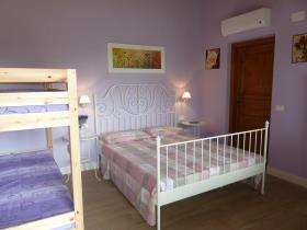 Image No.1-9 Bed Villa for sale