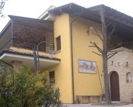 Image No.0-Villa de 3 chambres à vendre à Colonnella