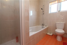 Image No.18-4 Bed Bungalow for sale