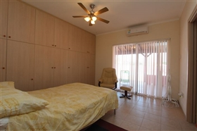 Image No.23-4 Bed Bungalow for sale