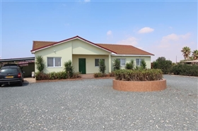 Image No.24-4 Bed Bungalow for sale