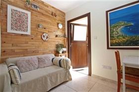 Image No.9-Villa de 5 chambres à vendre à Paralimni