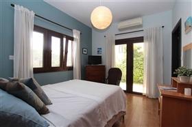 Image No.12-Villa de 5 chambres à vendre à Paralimni