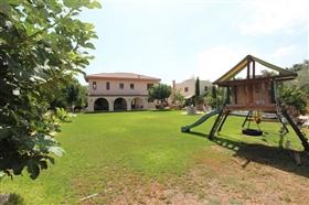 Image No.1-Villa de 5 chambres à vendre à Paralimni