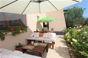 Image No.3-Villa de 5 chambres à vendre à Paralimni