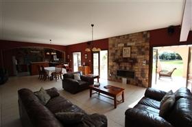 Image No.6-Villa de 5 chambres à vendre à Paralimni