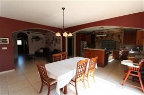 Image No.7-Villa de 5 chambres à vendre à Paralimni
