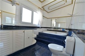 Image No.34-Villa de 5 chambres à vendre à Ayia Napa