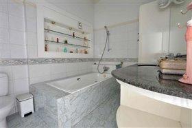Image No.35-Villa de 5 chambres à vendre à Ayia Napa