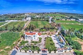 Image No.3-Villa de 5 chambres à vendre à Ayia Napa