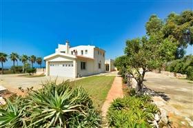 Image No.10-Villa de 5 chambres à vendre à Ayia Napa