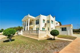 Image No.11-Villa de 5 chambres à vendre à Ayia Napa