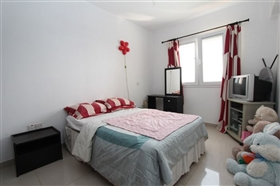 Image No.11-3 Bed Townhouse for sale