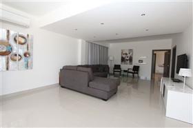 Image No.9-Villa de 4 chambres à vendre à Protaras