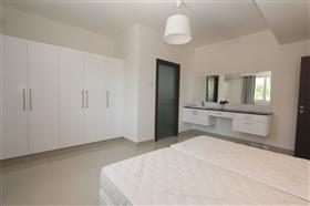 Image No.12-Villa de 4 chambres à vendre à Protaras