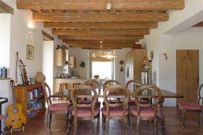 lo-villa-dining-kitchen-view