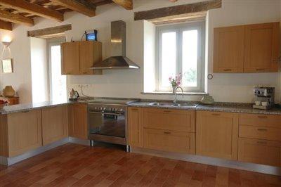 lo-villa-kitchen-sink