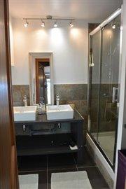 Room-4-bathroom-
