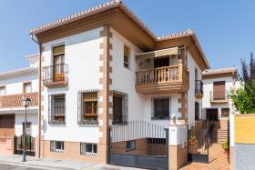 Nigüelas, Village House