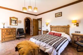 Image No.26-4 Bed Country House for sale
