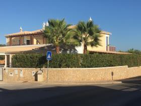 Pêra, Villa
