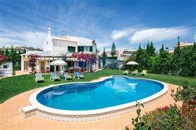 Image No.0-Villa de 4 chambres à vendre à Albufeira