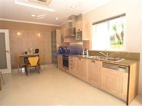 Image No.10-Villa de 4 chambres à vendre à Patroves