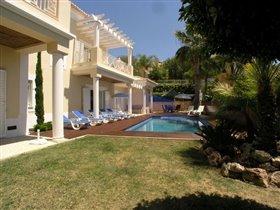 Image No.1-Villa de 4 chambres à vendre à Patroves