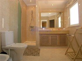 Image No.22-Villa de 4 chambres à vendre à Patroves