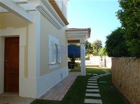 Image No.27-Villa de 4 chambres à vendre à Patroves