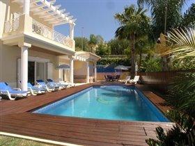 Image No.2-Villa de 4 chambres à vendre à Patroves