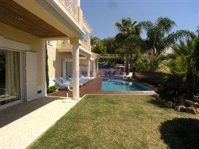 Image No.3-Villa de 4 chambres à vendre à Patroves