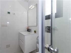 Image No.20-2 Bed Property for sale