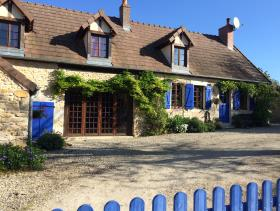 Livry, Village House