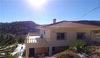 15-villa-for-sale-in-perin-18-large