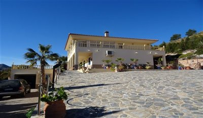 15-villa-for-sale-in-perin-2-large