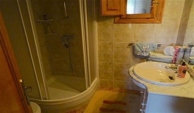 15-villa-for-sale-in-perin-27-large