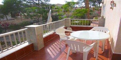 64-villa-for-sale-in-isla-plana-23-large