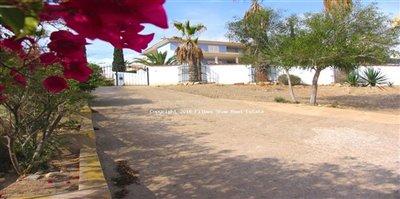 64-villa-for-sale-in-isla-plana-26-large