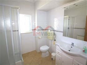Image No.19-5 Bed House for sale