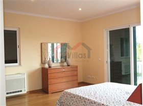 Image No.18-4 Bed House for sale